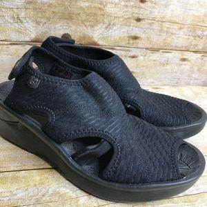Bzees Sandals Comfort Size 7.5 Charcoal Black